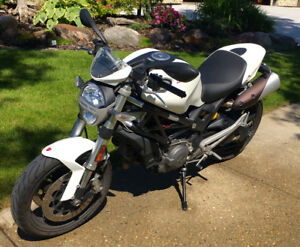 Excellent Condition  -  2011 Ducati Monster 696