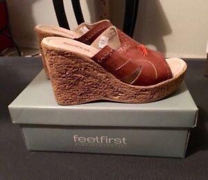 b09c97e12313 Feet First Cork Brown Wedge Sandals - NEW! -  45