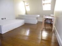SUPER SPACIOUS 1 BEDROOM FLAT NEAR ZONE 2 NIGHT TUBE, TRAIN, 24 HOUR BUSES & SHOPS
