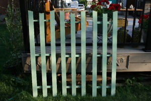 Green Wooden Trellis-like Decor