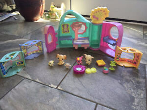 Pet Doll House for sale, Great Shape