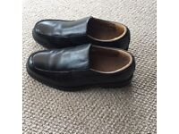 Covington black men's shoes. Leather upper and lining. Size 9 made in India Never been worn.