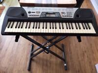 Yamaha Keyboard PSR175
