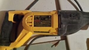 Trade DeWalt DWE305 Recip Saw for monitor