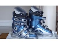 Ladies Ski Boots - Tecnica Duo 90 - US size 7; Euro size 38; UK size 5; foot length 24cm