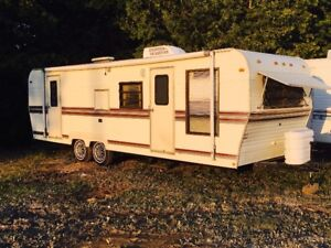 Immaculate! 1987 Supreme by Citation 26ft Travel Trailer