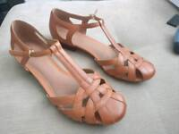 "Clarks ""Henderson Luck"" ladies shoes size 8"