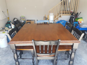 Black and Stained Table with 6 Chairs