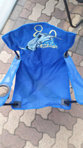 SMALL KIDS FOLDING CHAIR  $10