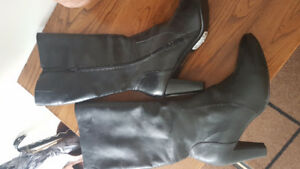 Ladies leather boots size 11 new