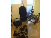 Oyster 2 pram in amazing condition with brand new carry cot never used