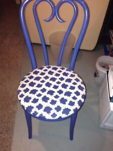 Maple Leafs chair