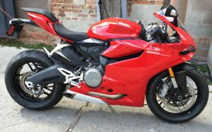 DUCATI PANIGALE 899 POUR ECHANGE FOR TRADE