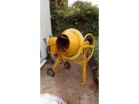 Concrete Mixer Clarke CCM125C Hardly used. Good quality and condition.