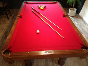 Dufferin Pool Table and Light