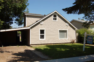 Affordable in Morinville 3 bedrooms Huge Backyard
