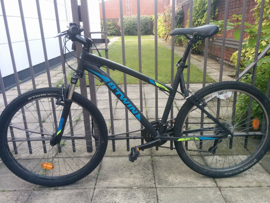"""Rockrider 340in a good conditionin Camden, LondonGumtree - Mountain bike Rockrider 340. In very good condition everything works well. Frame size M perfect for people 5""""3 6"""". I would like to sell it until mid of September so let me know if you are interested ) Write me on whatsapp"""