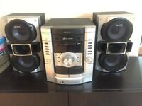 Sony stereo CD/tape player with 2 speakers