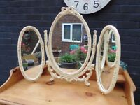 WOODEN VINTAGE TOP DRESSING TABLE TRIPLE MIRROR ALL SOLID AND IN EXCELLENT CONDITION 76/57 cm £30