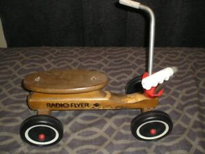 VINTAGE RADIO FLYER HARD MAPLEWOOD 4-WHEEL SCOOTER