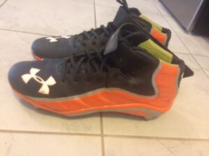 Football shoes - size 12