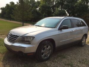 2004 Chrysler Pacifica Leather SUV, Crossover