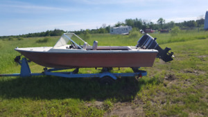 1969 outboard boatwith trailer and 50hp mercury motor