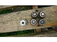 Ford locking wheel nut set complete with key. All models