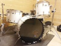 Ludwig Classic 70's White Cortex Blue/Olive Badge Drum Kit.