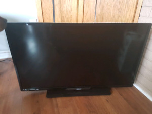 Philips LED LCD smart TV and PS4