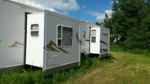 29 ft. Travel Trailer Forest River with 2 Slides