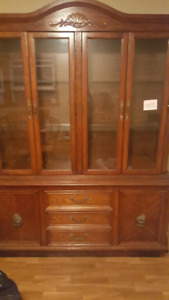 Display case/China cabinet