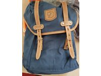 Fjallraven Rucksack No. 21 Small (Navy Blue) - brand new with tags