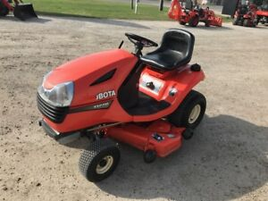 "Kubota T1770 LAWN TRACTOR WITH 44"" CUT"