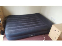 Intex Airbed with built-in Pillow - Queen size (157 (W) x 203 (L) x 47cm (H))
