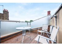 Split level 3 beds / 3 baths - private roof terrace - moments from Parsons Green