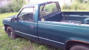 *Chevrolet 1500 Pick Up*