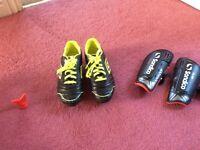 Umbro Football boots UK size 4 +/- Sondico Youths shin pads