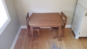 Kidd table and chairs 25.00