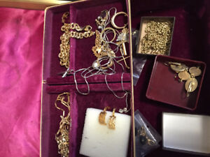 BUYING JEWELERY*COINS*BARS*SCRAP GOLD_ 306-290-6900