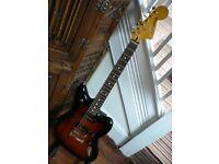 Fender Jaguar Modern Player electric guitar hardcased superb condition