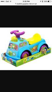 Bubble guppies car