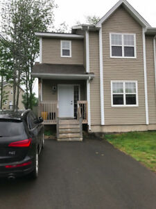 3 bedroom semi detached house for rent, Dieppe - OCT 1st