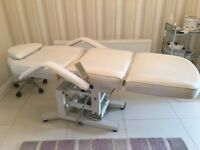 Beauty/treatment electric bed