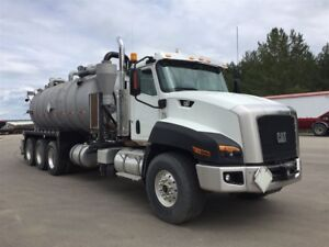 2015 CAT CT660 Tri drive Vac Truck