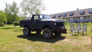 1978 Bronco lots of extra parts