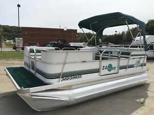18' Sun Party Pontoon Boat with 35Hp