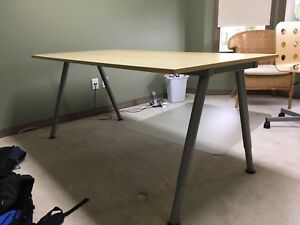 Solid desk/table with metal adjustable legs