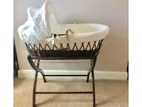 IzzyWizzyWhatNot Moses basket and stand