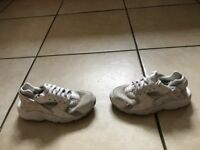 kids nike trainers shoes size 3 excellent condition